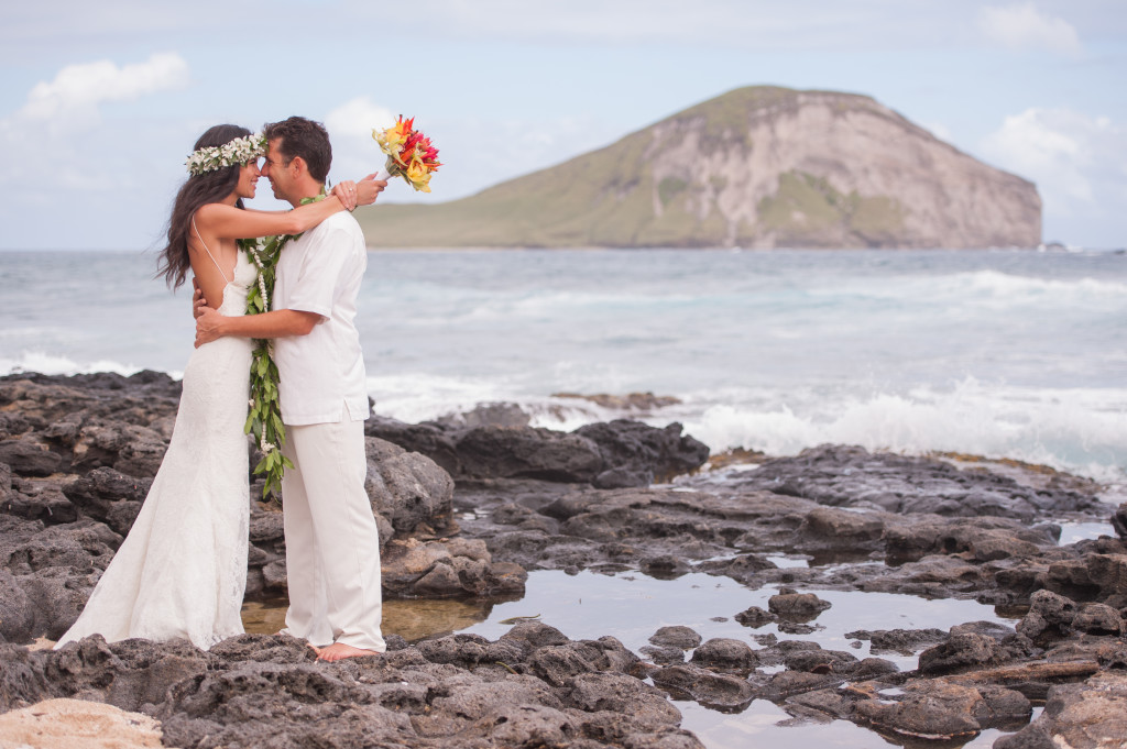 Rachel_Rose_Photography_Hawaii_Oahu_Destination_Wedding_Bride_Groom_Happiness