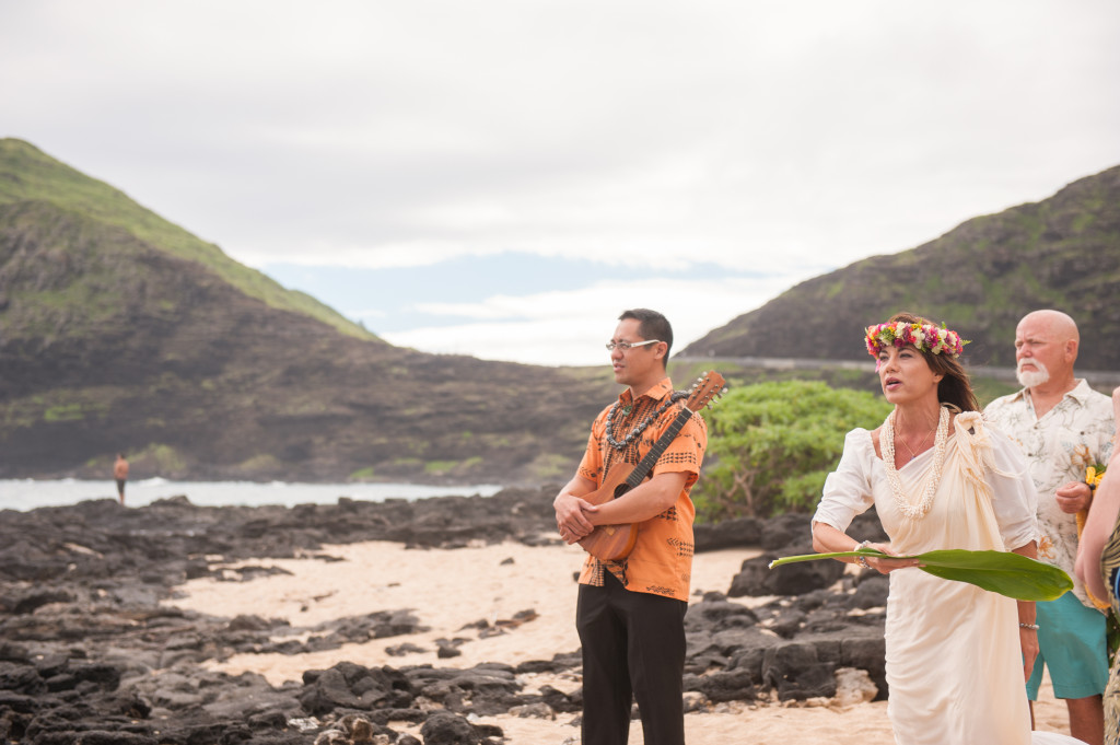Rachel_Rose_Photography_Hawaii_Oahu_Destination_Wedding_Bride_Groom_Healing_Pools