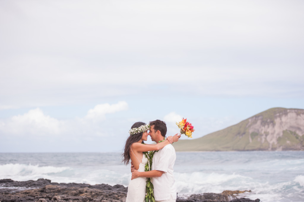 Rachel_Rose_Photography_Hawaii_Oahu_Destination_Wedding_Bride_Groom_Married