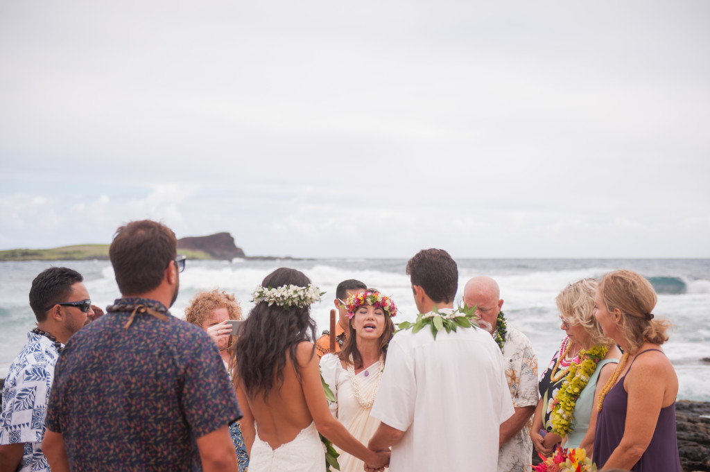 Rachel_Rose_Photography_Hawaii_Oahu_Destination_Wedding_Bride_Groom_Rings_Group_Blessing