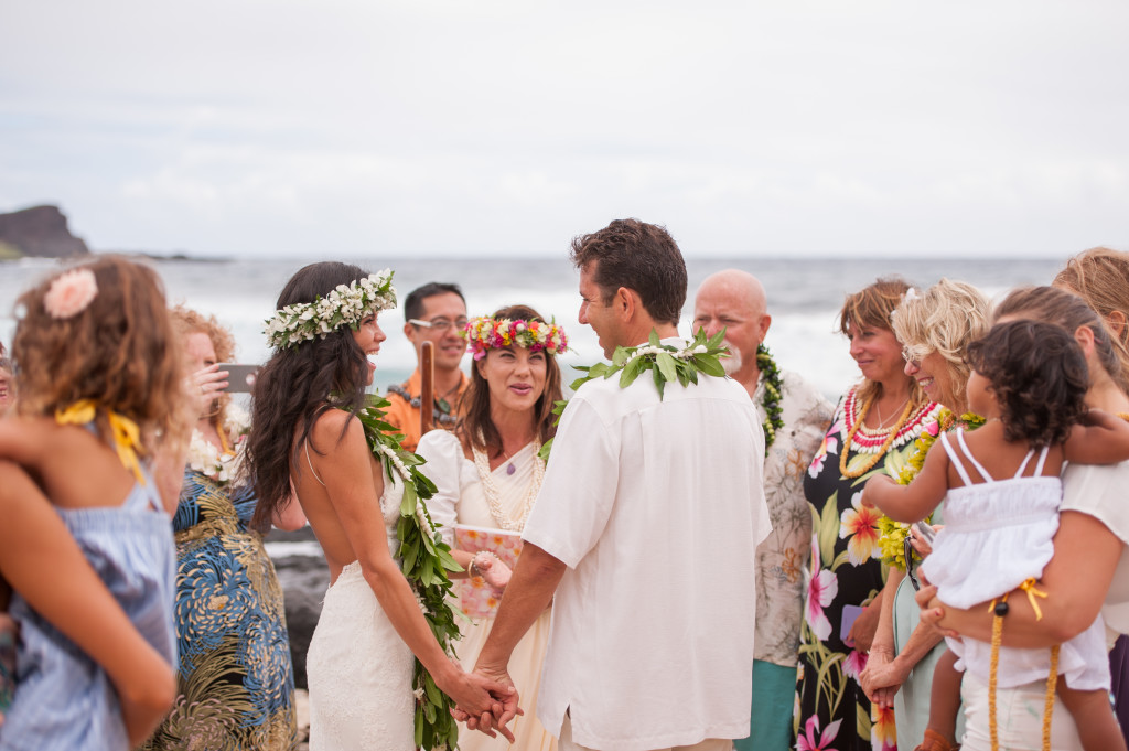 Rachel_Rose_Photography_Hawaii_Oahu_Destination_Wedding_Bride_Groom_Rings_Ocean_Beach_Love