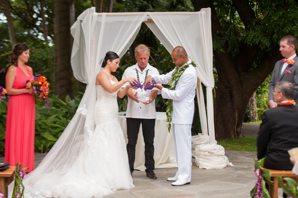 RachelRosePhotography_Destination_Wedding_Photographer_QueenEmma_Hawaii-36