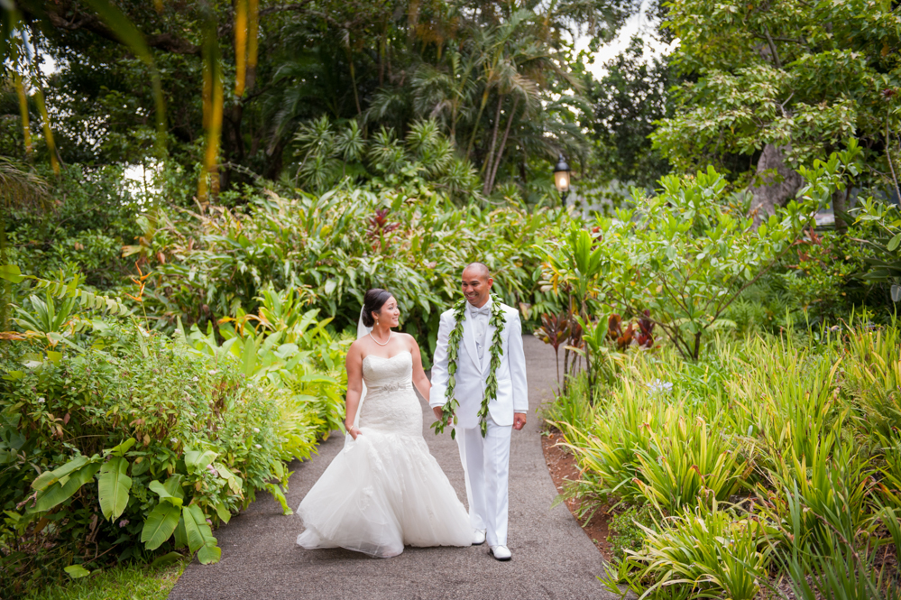 RachelRosePhotography_Destination_Wedding_Photographer_QueenEmma_Hawaii-48